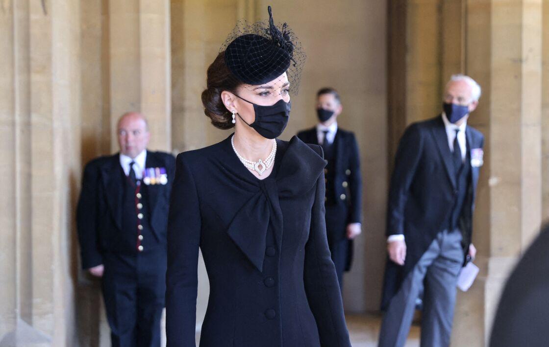 Kate Middleton portait un sublime collier de perles à trois rangs
