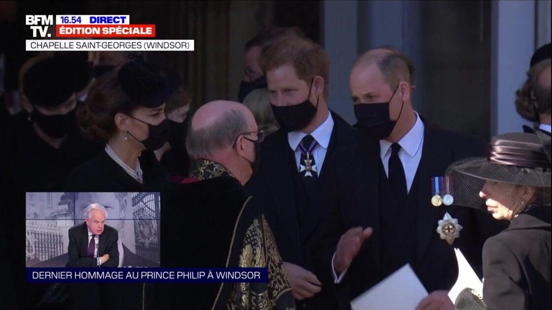 Kate Middleton, le prince Harry et le prince William à l'issue des obsèques du prince Philip ce samedi 17 avril