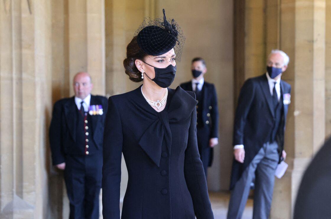 Kate Middleton très digne lors des obsèques du prince Philip