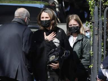 PHOTOS - Alexia Laroche Joubert émue aux obsèques de son jeune frère, Andreas