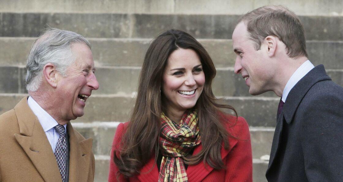 Le prince Charles, Kate Middleton et le prince William photographiés le 5 avril 2013