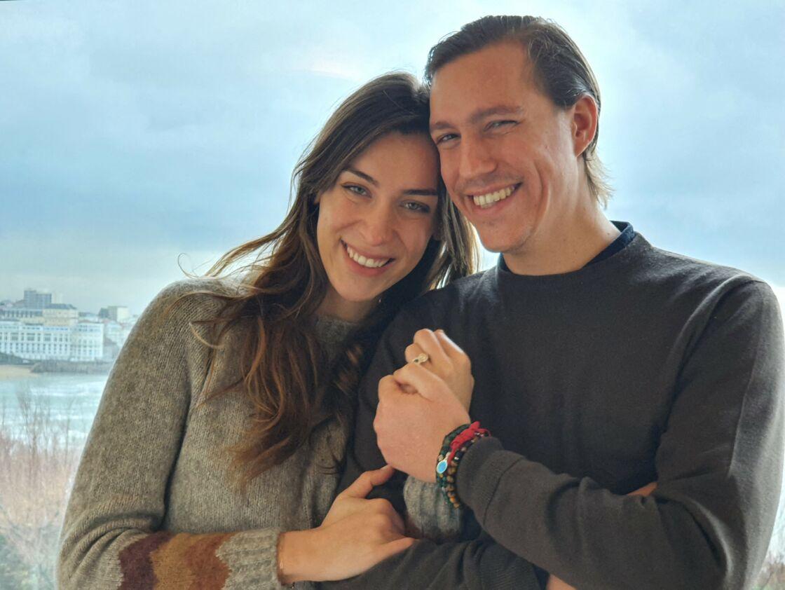 Photo officielle de Louis de Luxembourg avec sa fiancée Scarlett Lauren-Sirgue, prise le 13 mars 2021, pour annoncer leur mariage