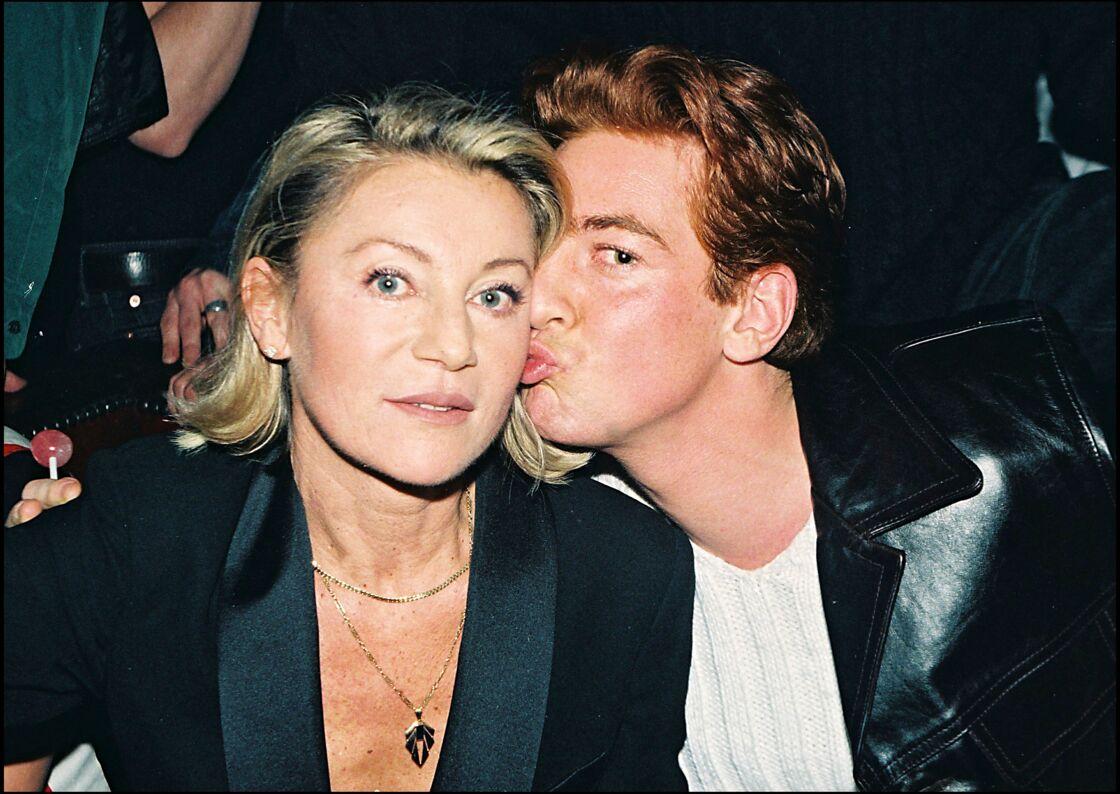 Sheila et son fils, Ludovic Chancel, le 13 janvier 1998