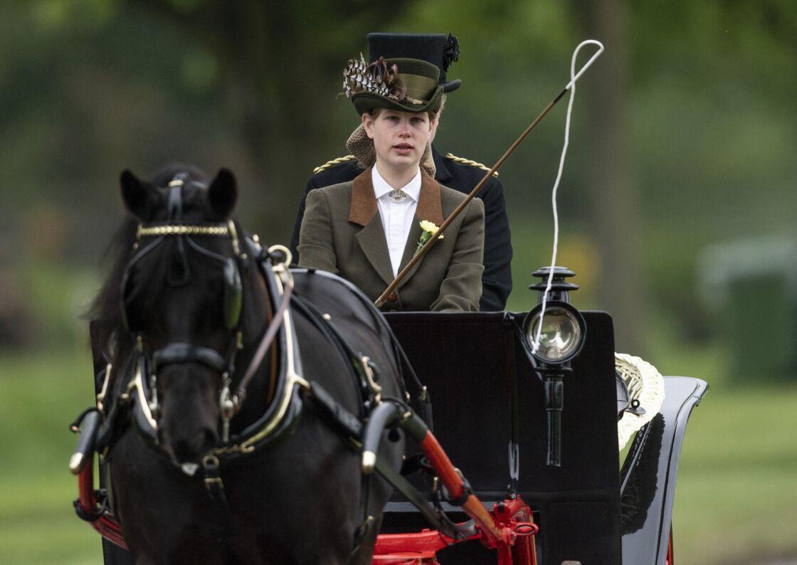 Louise Mountbatten-Windsor lors d'un cours de conduite en calèche au Royal Windsor Horse Show, en 2019.