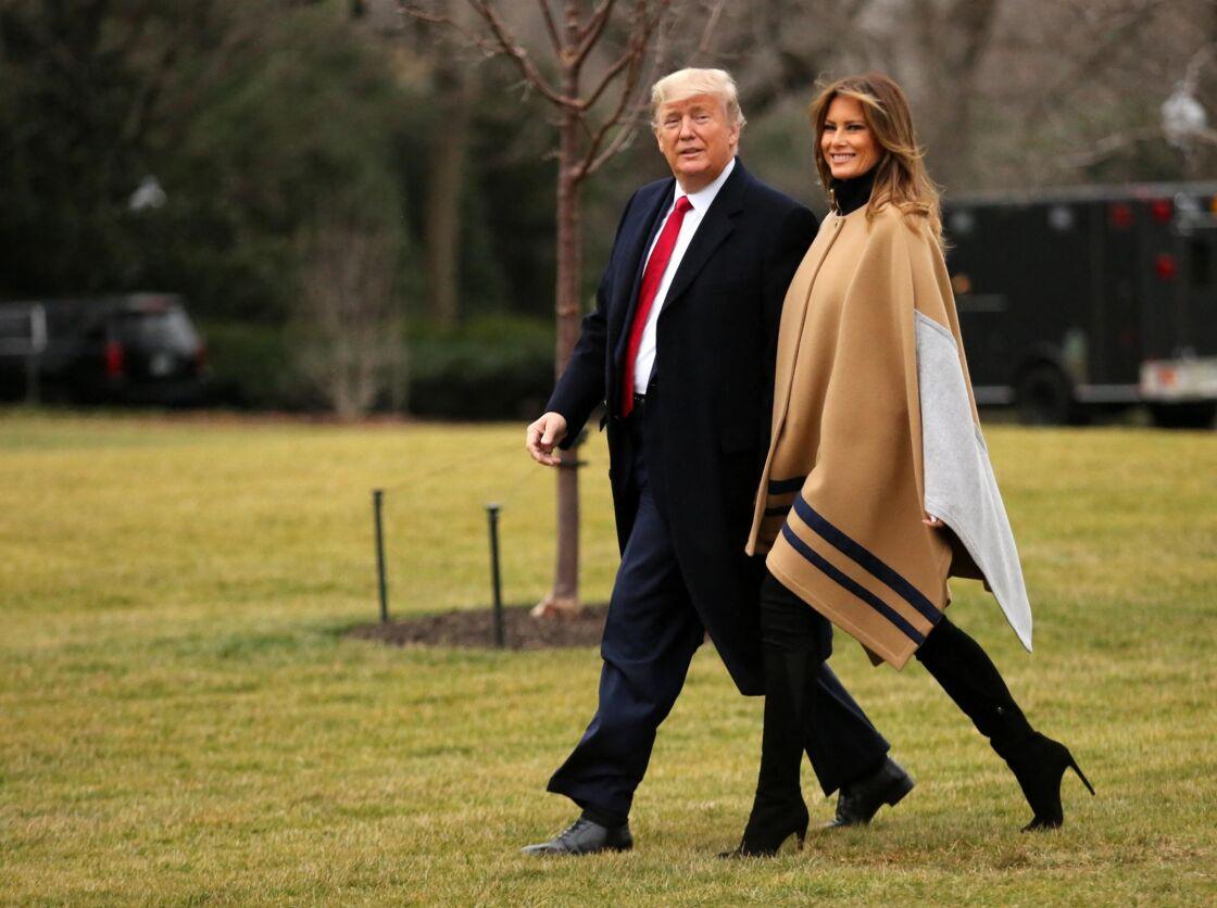 Donald Trump et Melania Trump quittent la Maison Blanche pour s'envoler vers le Floride, en 2020.