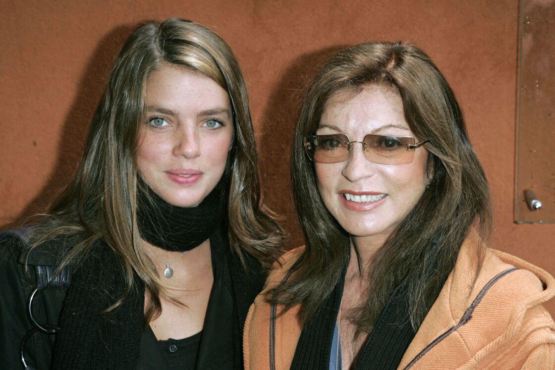 Marie-France Pisier et sa fille Iris Funck-Brentano à Roland-Garros en 2006
