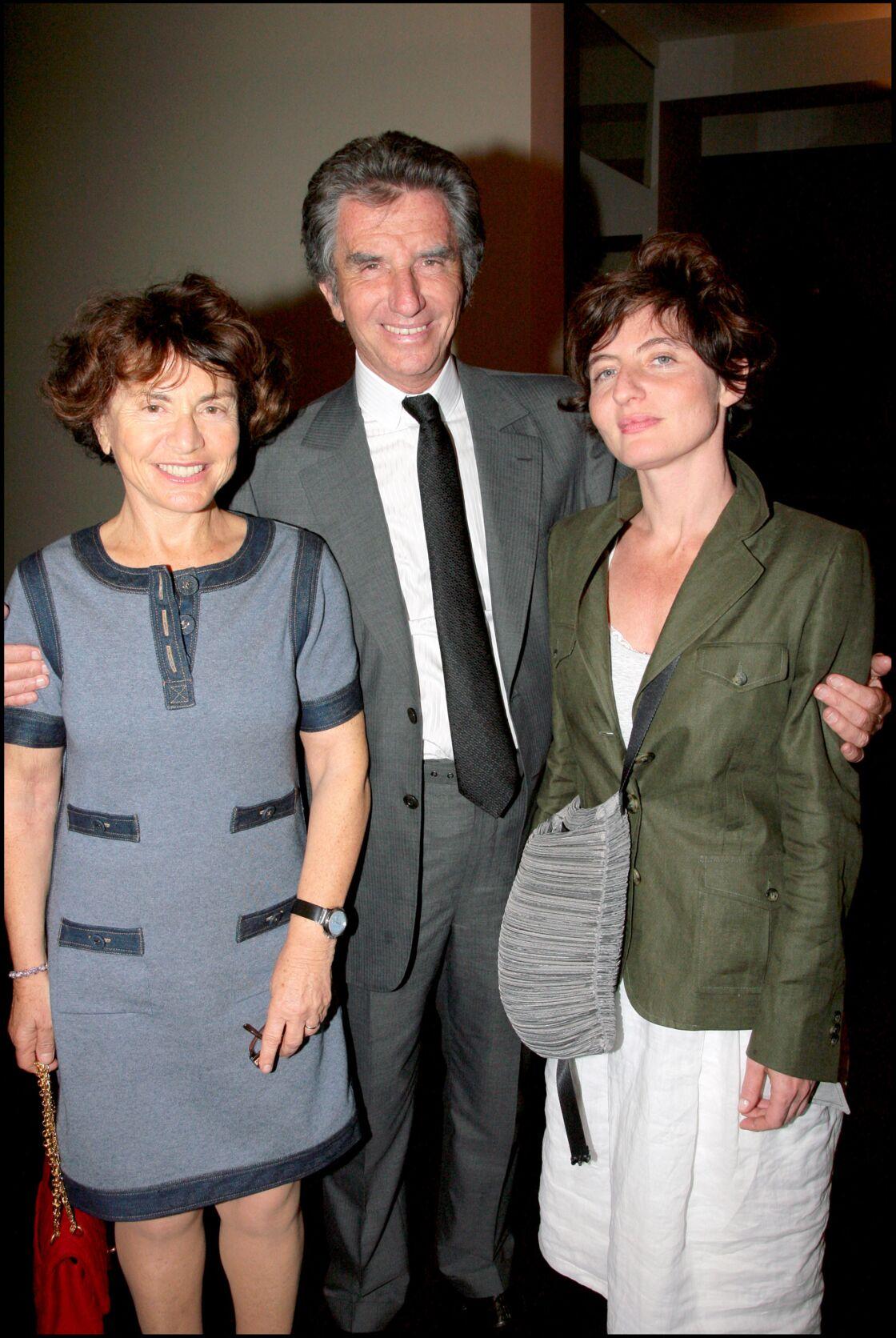 Jack Lang entouré de sa femme Monique et de sa fille Valérie, à Paris, en 2008.