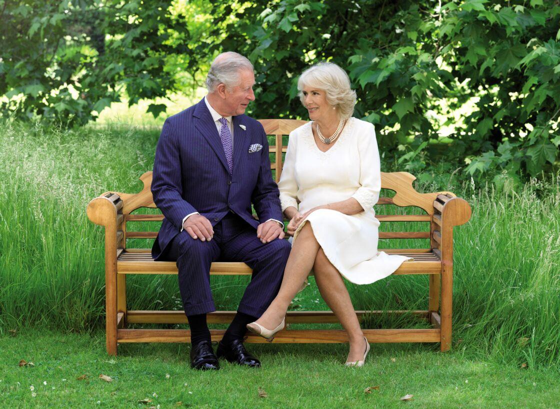 Le prince Charles et Camilla se sont officiellement rencontrés au début des années 70.