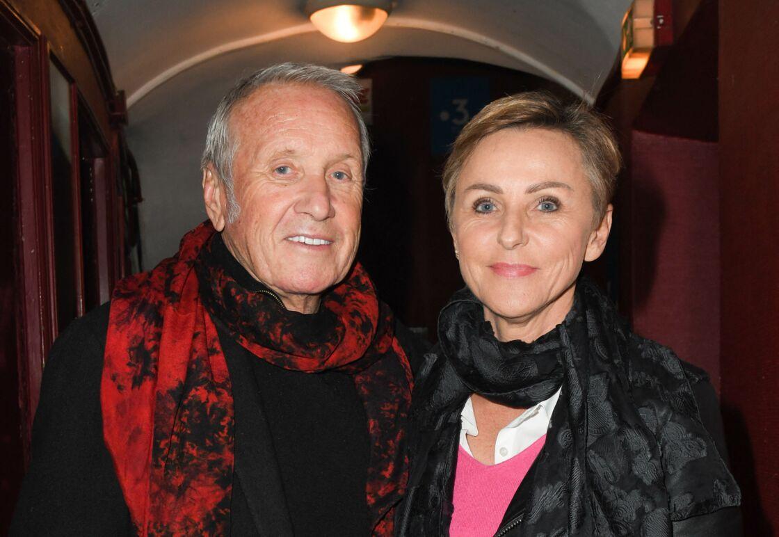 Yves Rénier et sa femme Karin lors de la représentation exceptionnelle du spectacle de Vincent Moscato