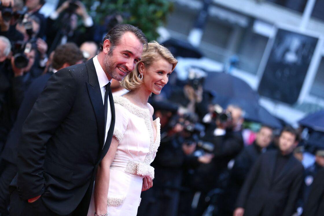 Jean Dujardin et Alexandra Lamy - Montée des marches du film