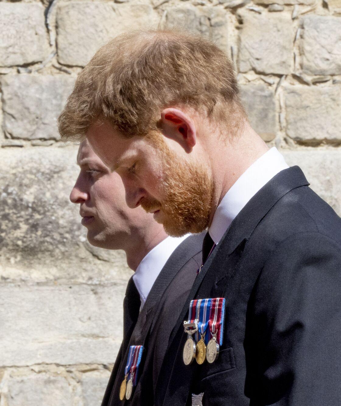 Le prince William et le prince Harry, aux funérailles de leur grand-père le prince Philip, le samedi 17 avril 2021