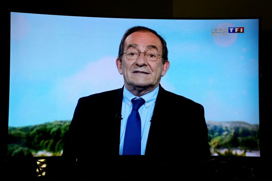 Jean-Pierre Pernaut lors de son dernier JT sur TF1, à Paris, le 18 décembre 2020.