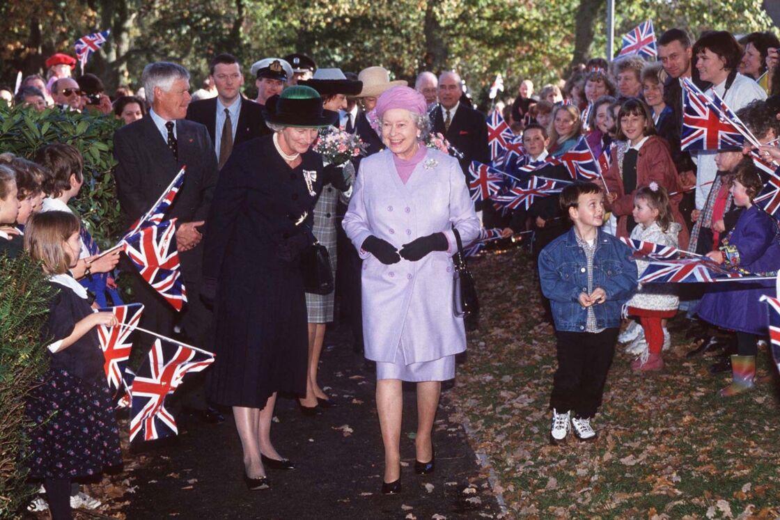 Lady Susan et Elizabeth II en 1996.