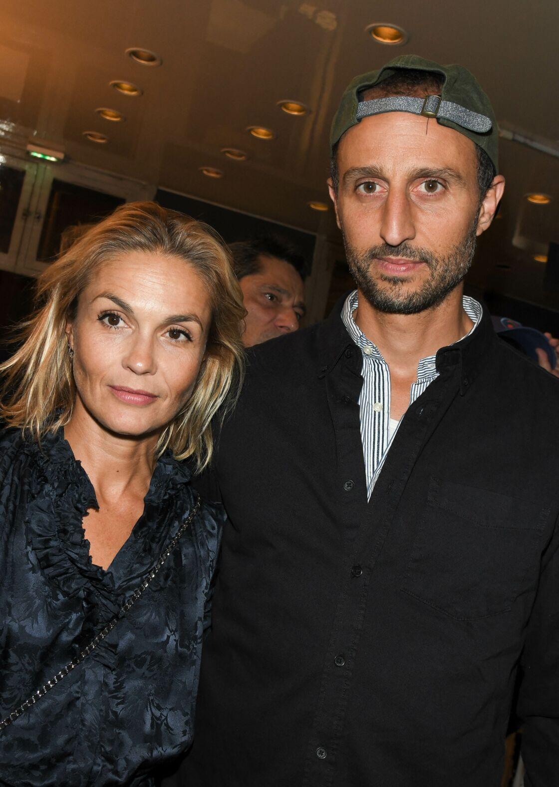 Arié Elmaleh et Barbara Schulz assistent ensemble à la première de la pièce