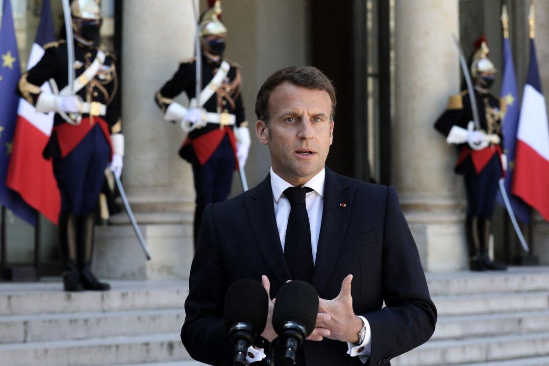 Le président de la République Emmanuel Macron, au palais de l'Elysée, à Paris, le 27 avril 2021.
