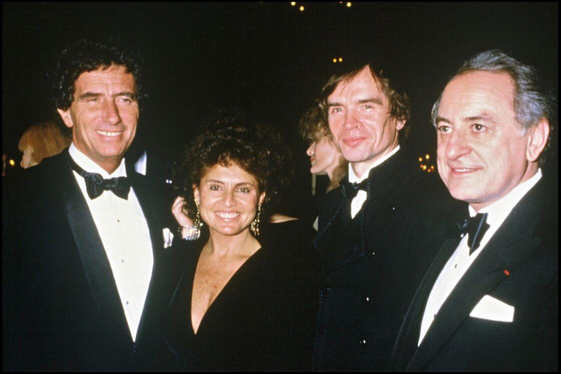 Jack Lang et son épouse Monique, élégants, en 1985 pour les Oscars de la mode à Paris