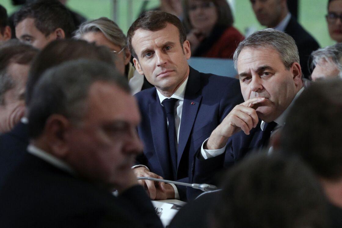 Emmanuel Macron et Xavier Bertrand, en novembre 2019.