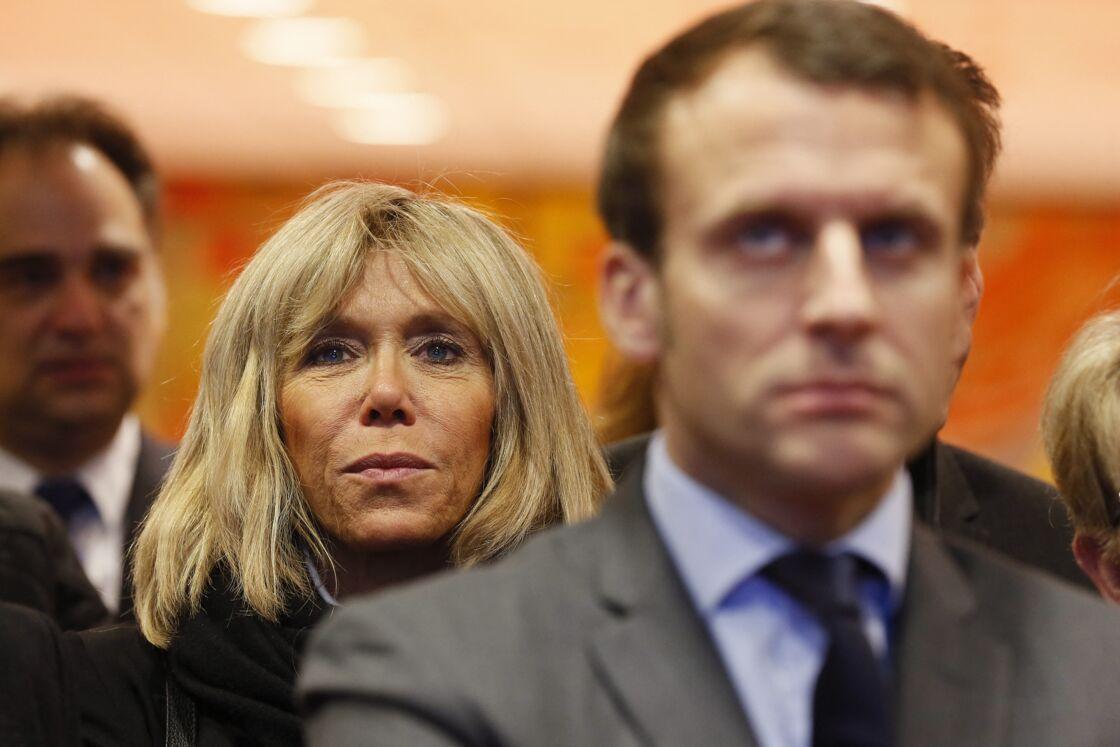Brigitte et Emmanuel Macron, alors en campagne présidentielle, le 6 janvier 2017 à Nevers