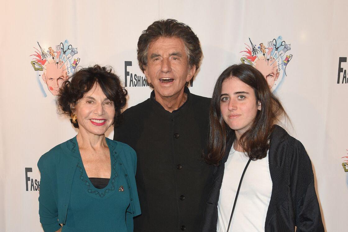 Jack Lang, sa femme Monique et leur fille Caroline à la générale de la comédie musicale de Jean-Paul Gaultier à Paris le 28 septembre 2018.