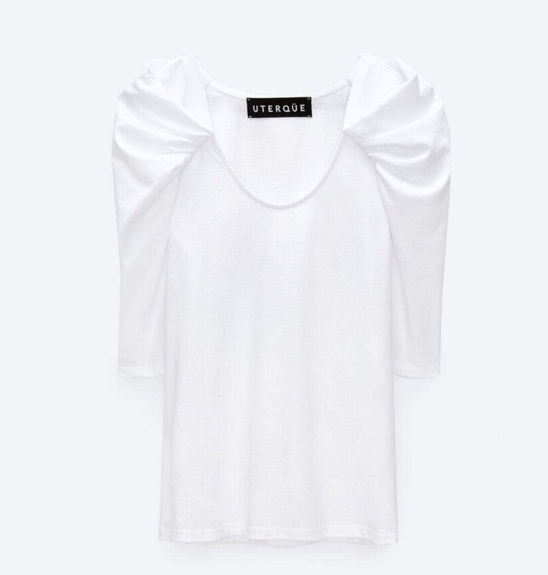 T-shirt décolleté et manches ballons, Uterqüe, 74 €