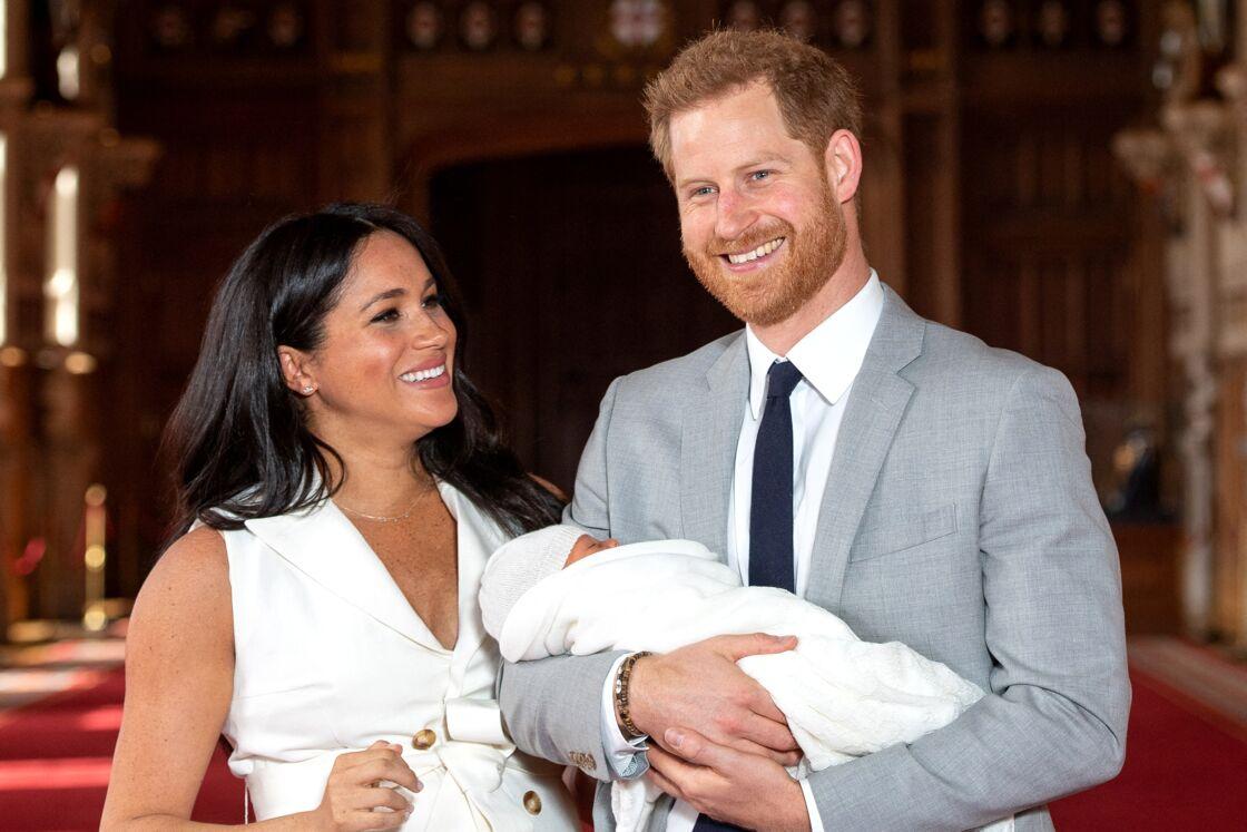 Meghan Markle et le prince Harry avec le petit Archie le 8 mai 2019 au château de Windsor