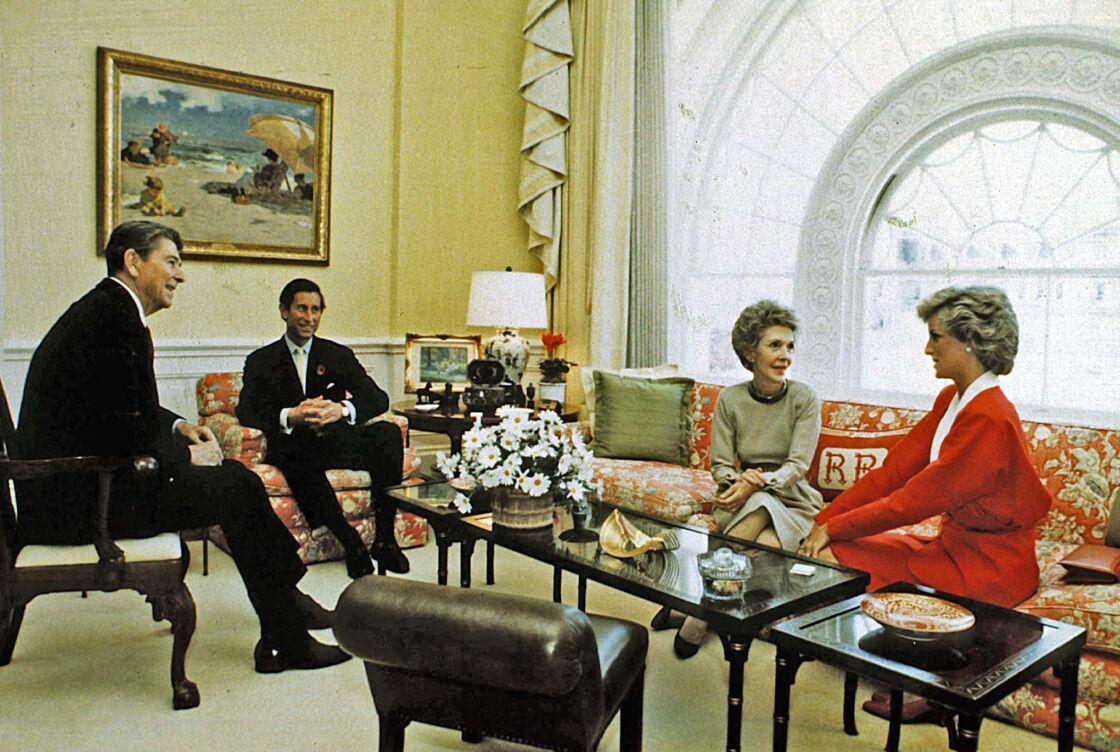 Ronald Reagan, Nancy Reagan, la princesse Diana et le prince Charles à la Maison Blanche en 1985