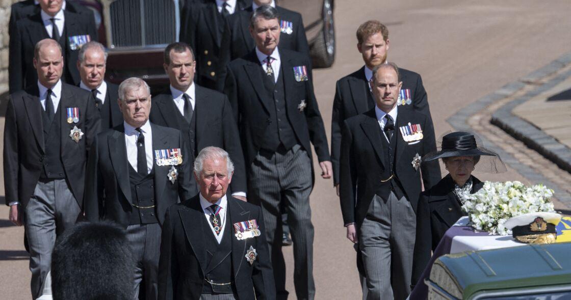 Les princes Harry et William avec leur père, le prince Charles, lors des obsèques de leur grand-père, le prince Philip, le 17 avril 2021
