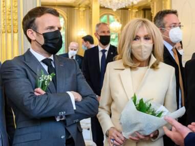 PHOTOS - Brigitte Macron élégante et stylée auprès de son mari pour le 1er mai