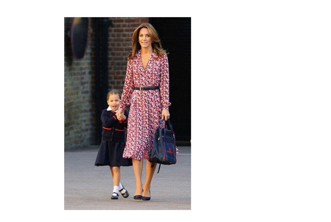 Le cardigan, l'une des pièces maitresse de l'uniforme de la princesse Charlotte  à la maternelle ultra-select de Thomas's Battersea à Londres en 2019