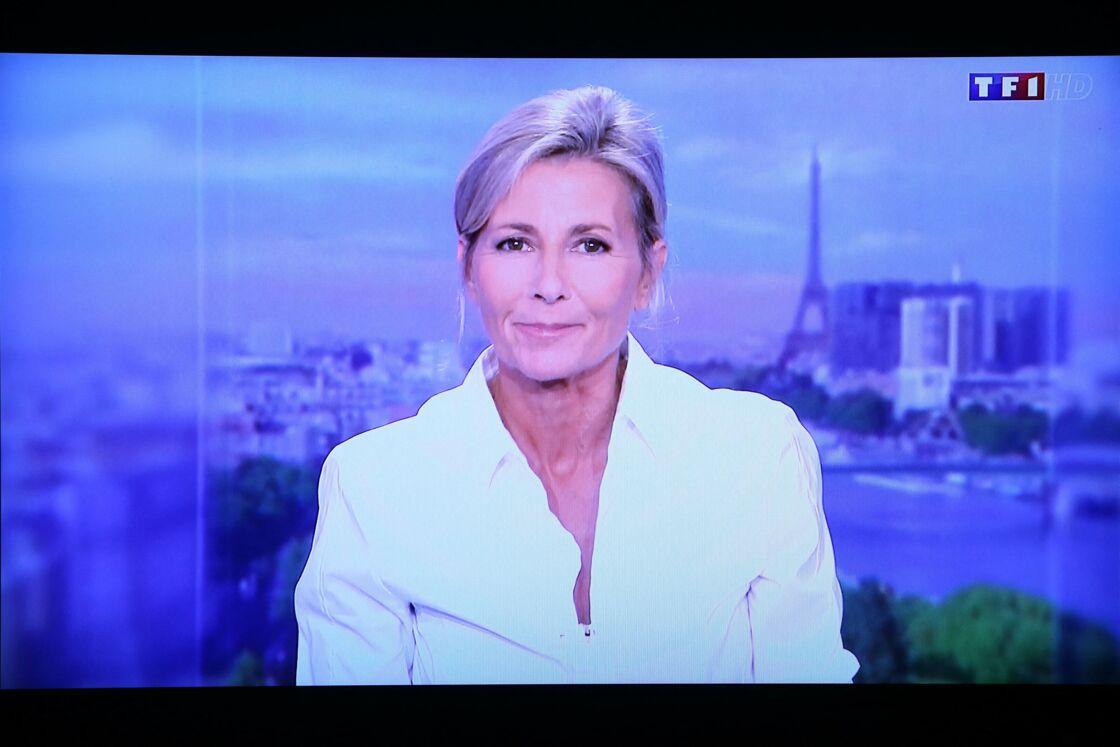 Claire Chazal - Capture d'écran de la dérnière présentation du journal télévisé de Claire Chazal sur TF1 le 13 septembre 2015.