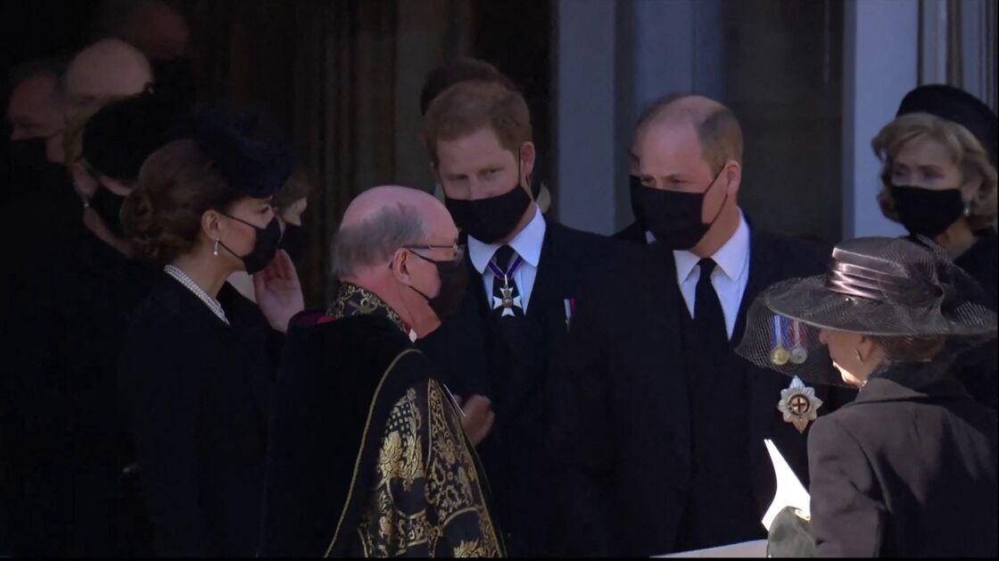 Kate Middleton, le prince Harry et le prince William à l'issue des obsèques du prince Philip samedi 17 avril
