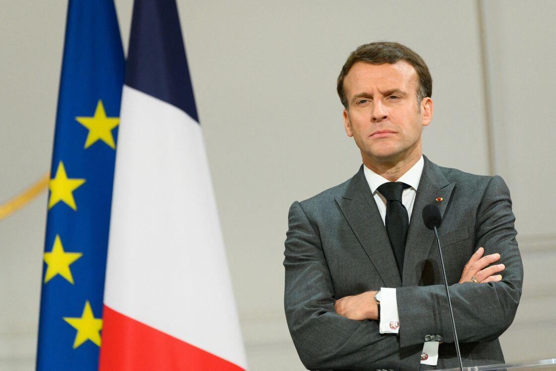 Emmanuel Macron oeuvre en coulisses pour sa réélection