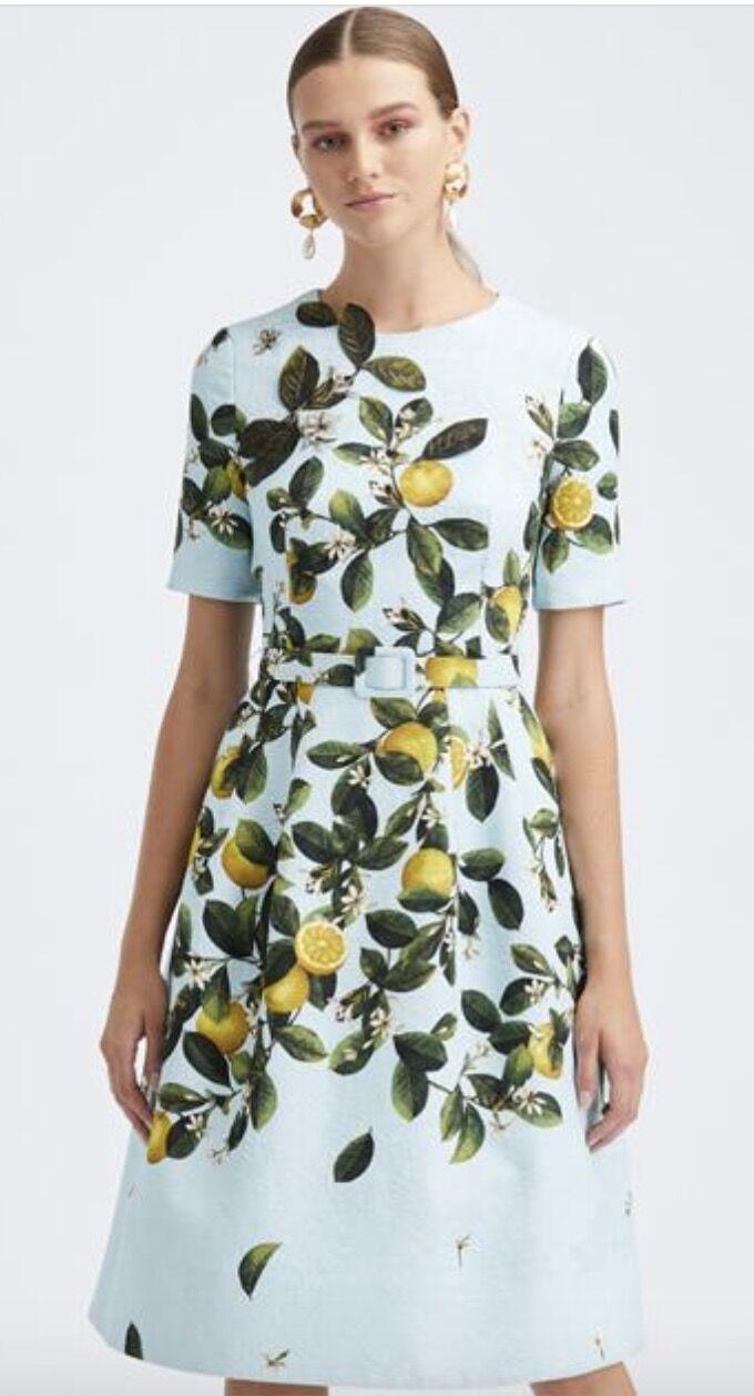 La robe citrons Oscar de la Renta qui fait craquer Jill Biden et Meghan Markle (2 548$).