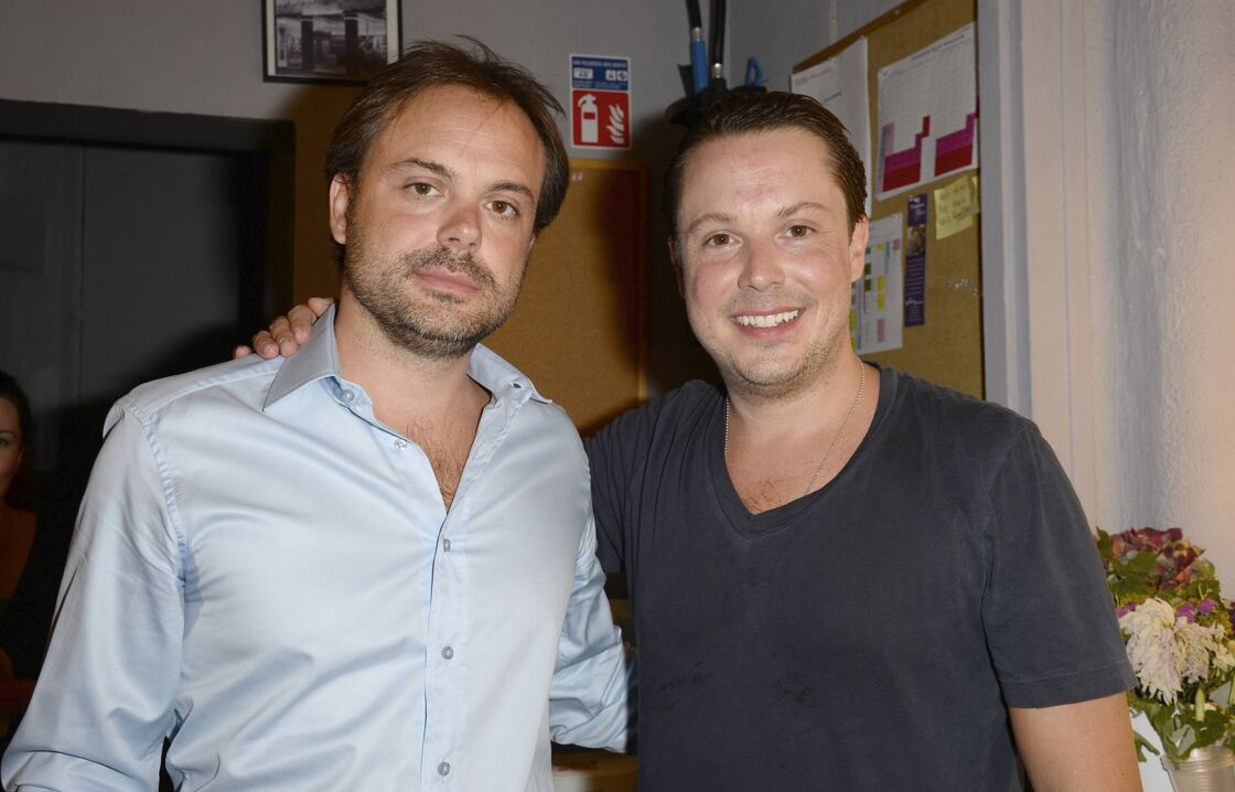 Romain et Davy Sardou - Michel Sardou assiste à la représentation de son fils Davy au Théâtre Rive-Gauche dans la pièce