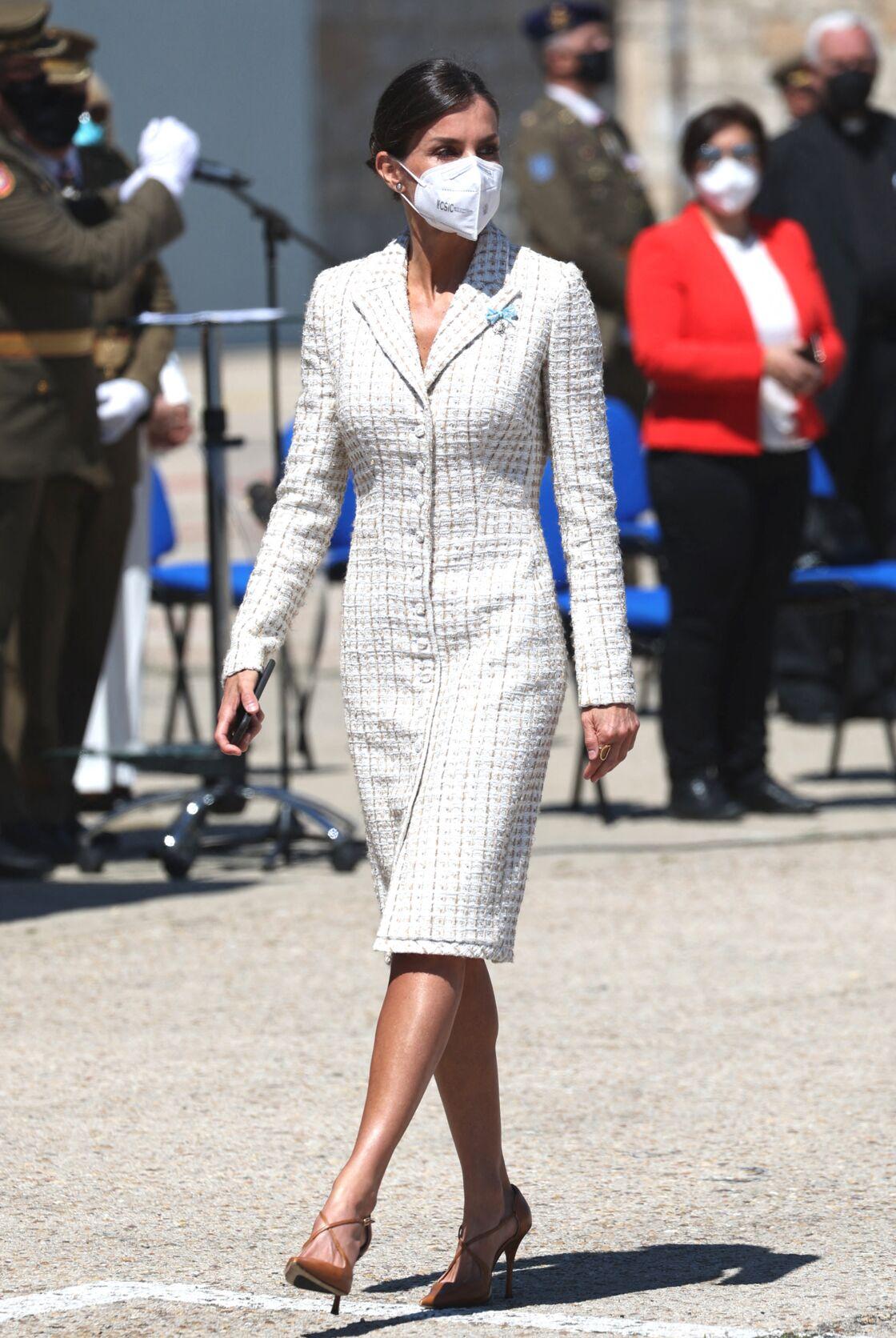 Letizia d'Espagne recycle sa robe en tweed le 7 mai 2021