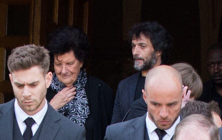 Pablo Villafranca (ex compagnon de Maurane) et la mère de Maurane - Obsèques de Maurane en l'église Notre-Dame des Grâces à Woluwe-Saint-Pierre en Belgique le 17 mai 2018.
