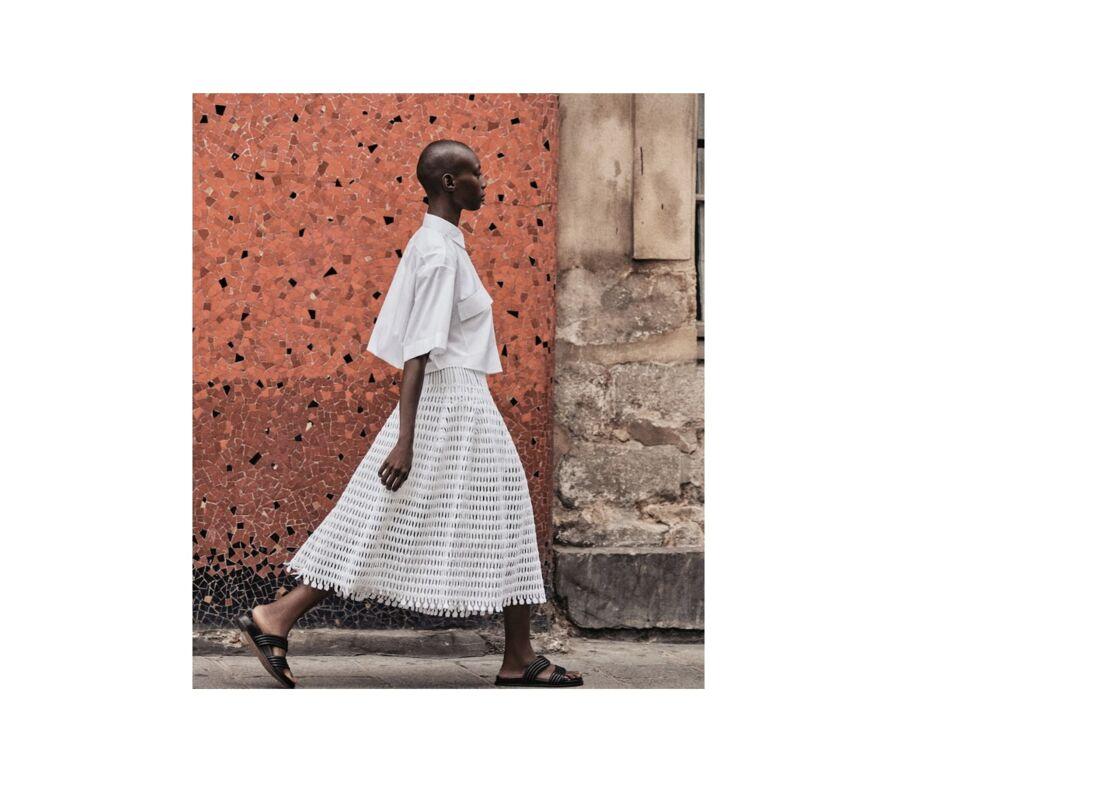 Ample, longueur midi, c est la jupe idéale pour toutes les silhouettes, Collection Printemps-été 2021 Azzedine Alaïa