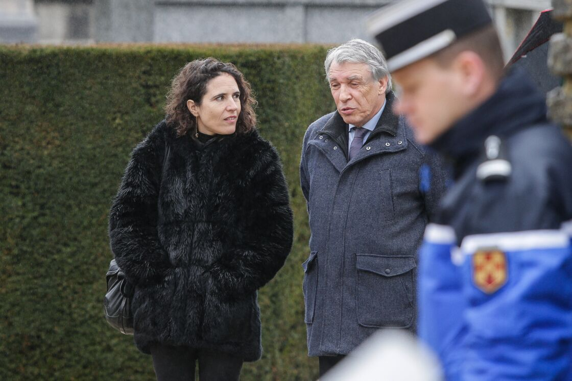 Mazarine Pingeot et Gilbert Mitterrand  à Jarnac, le 8 janvier 2016.