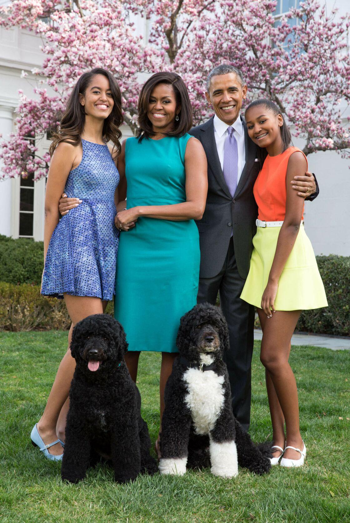 Michelle et Barack Obama avec Malia et Sasha à la Maison Blanche en 2015.