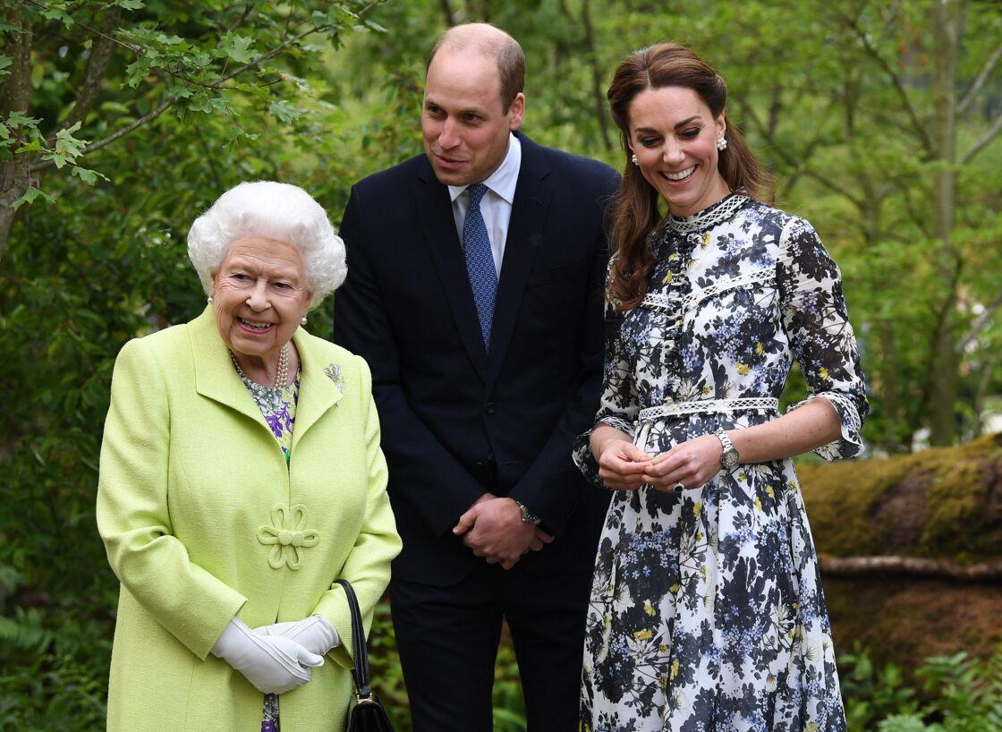 La reine Elisabeth II, le prince William et Kate Middleton au
