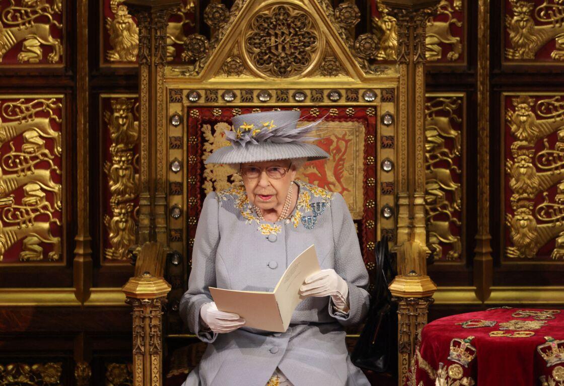 Elizabeth II à l'ouverture du Parlement