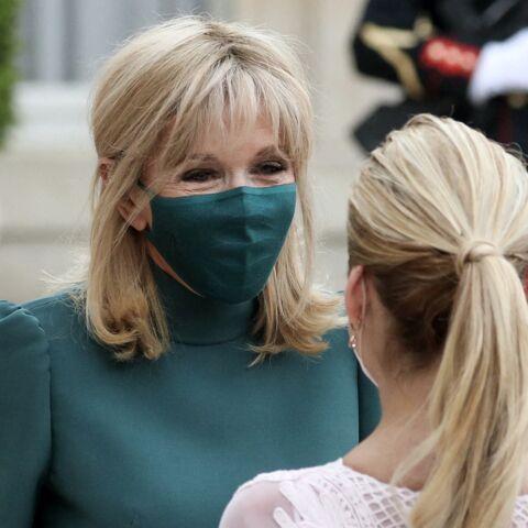 PHOTOS – Brigitte Macron glamour en vert émeraude face à la First lady argentine