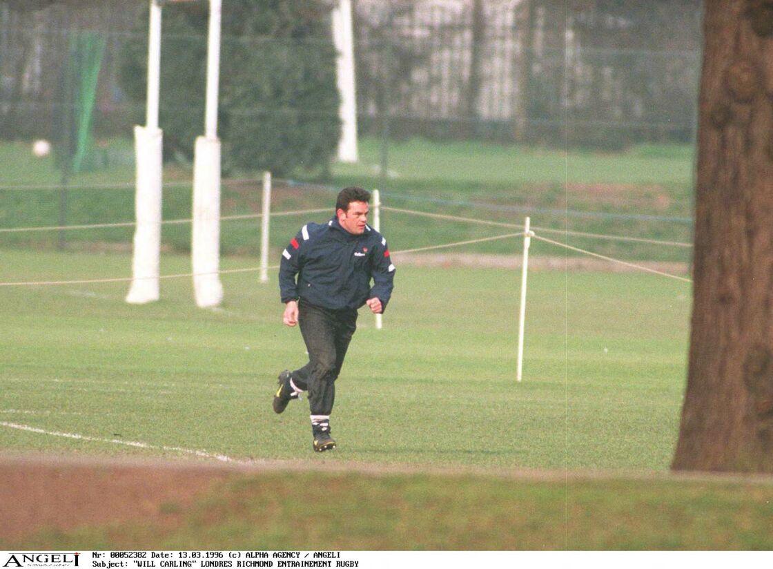 Will Carling lors d'un entraînement de rugby, en1996.
