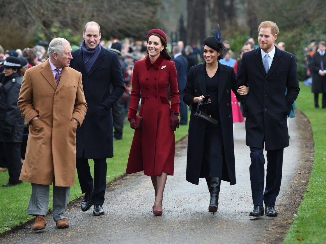 Le prince Charles avec ses fils William et Harry et leurs femmes