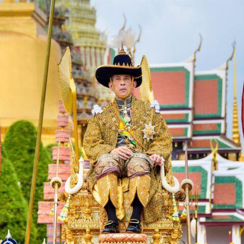 Le roi de Thaïlande hospitalisé en soins intensifs: inquiétude sur sa santé