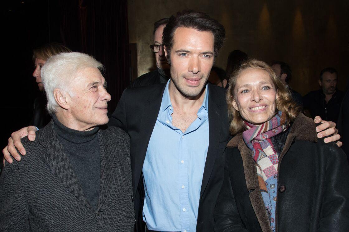 Nicolas Bedos entouré de ses parents, Guy Bedos et Joëlle Bercot