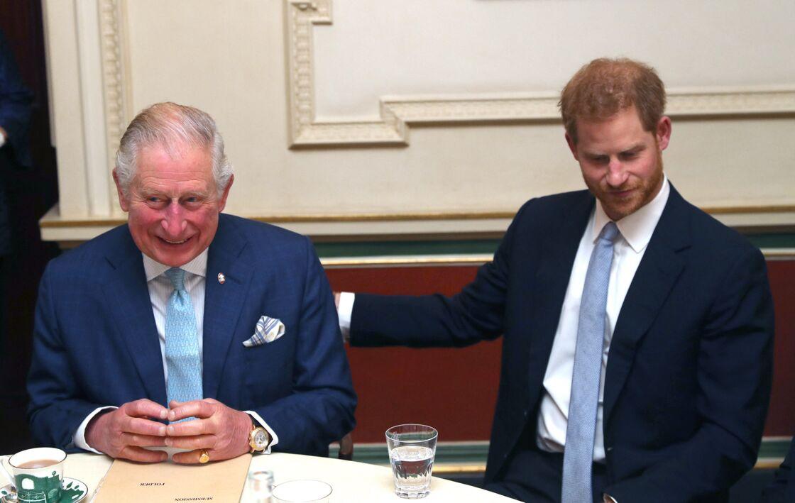 Le prince Charles et le prince Harry, en 2018.