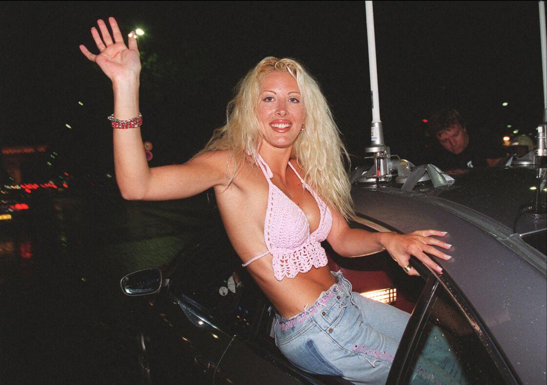 Loana à sa sortie de Loft Story, en juillet 2001