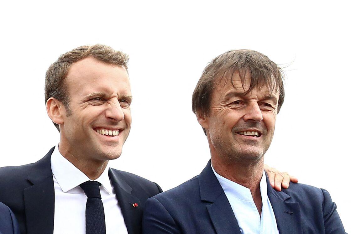 Emmanuel Macron et Nicolas Hulot,  le 20 juin 2018, un site d'où seront visibles les 62 éoliennes du parc de la baie de Saint-Brieuc, prévu pour 2023
