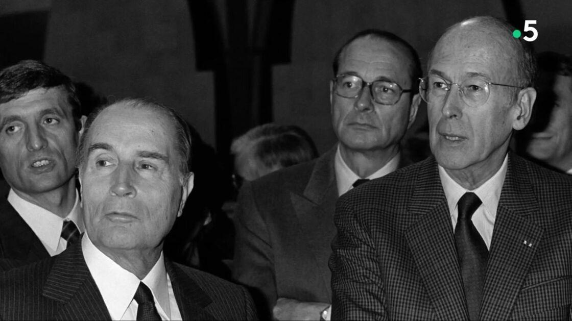 Au premier plan, François Mitterrand et Valéry Giscard d'Estaing, suivis de près par Jacques Chirac et François Léotard